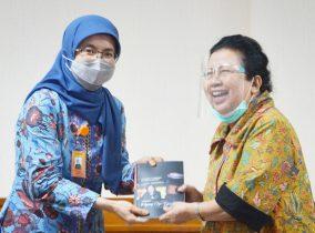 Kunjungan Ceu Popong ke Institut Teknologi Nasional Bandung